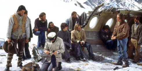 plane crash deserted island movies Alive was a movie based on a true story of the survivors of a plane crash in the andes the survivors were stranded in the mountains without food and resorted to eating the flesh of those killed in the crash.