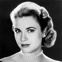 L Grace Kelly