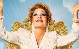 """REVIEW: """"The Eyes of Tammy Faye""""(2021)"""